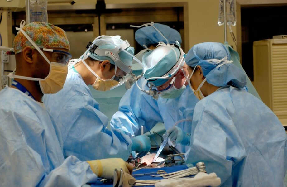: Doctors doing an operation